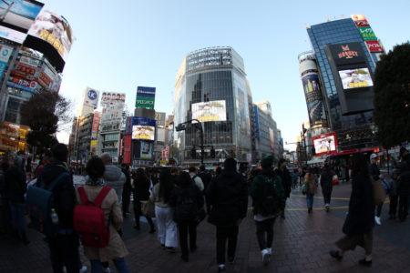 渋谷ハチ公口の大型ボード&大型ビジョンの広告媒体をドドンとご紹介!