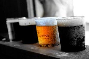 中づりを見れば、旬なビールが飲めるよ!